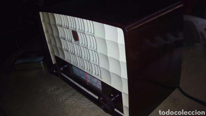 Radios de válvulas: Pequeña Radio Philips BX135U/81 Funcionando - Foto 5 - 128113807
