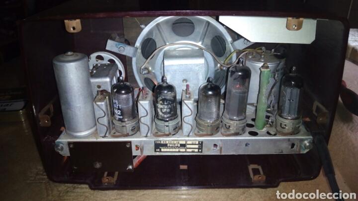 Radios de válvulas: Pequeña Radio Philips BX135U/81 Funcionando - Foto 7 - 128113807