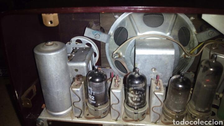 Radios de válvulas: Pequeña Radio Philips BX135U/81 Funcionando - Foto 9 - 128113807