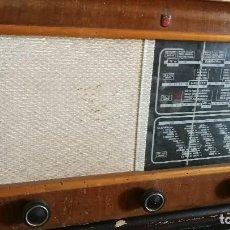 Radios de válvulas: RADIO PHILIPS MODELO BE 472-A, -// REVISADO Y FUNCIONANDO//. Lote 128428059