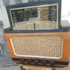 Radios de válvulas: ANTIGUA RADIO INVICTA AÑO 1947. Lote 128980732