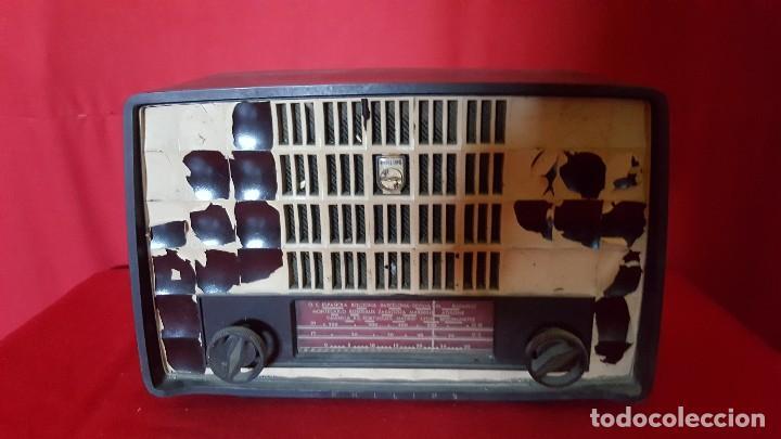 RADIO PHILIPS DE PEQUEÑO TAMAÑO PARA RESTAURAR. (Radios, Gramófonos, Grabadoras y Otros - Radios de Válvulas)