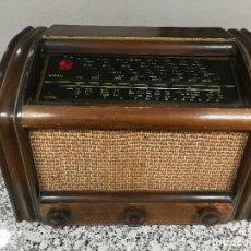 Radios de válvulas: ANTIGUA GRAN RADIO RECEPTOR DE 5 VALVULAS CLARION . Lote 129372607