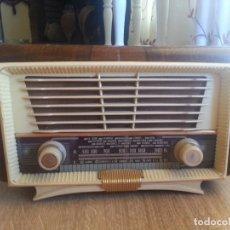 Radios de válvulas: ANTIGUA PEQUEÑA RADIO DE MADERA FUNCIONA 27X16. Lote 129467555