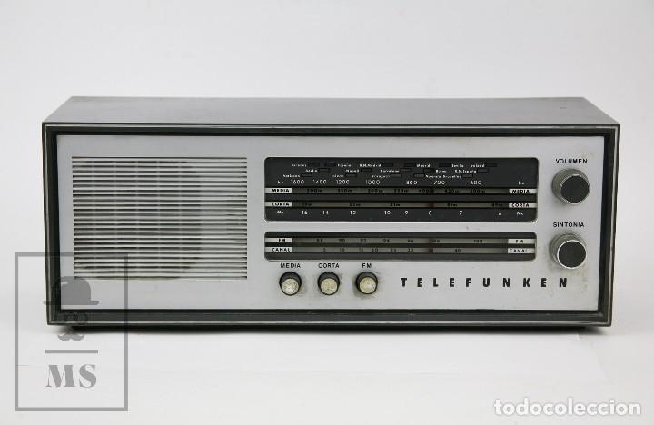 Radios de válvulas: Antigua Radio de Válvulas - Telefunken. Campanela A-2636 FM - Restauración o Piezas - Años 60 - Foto 2 - 129513751