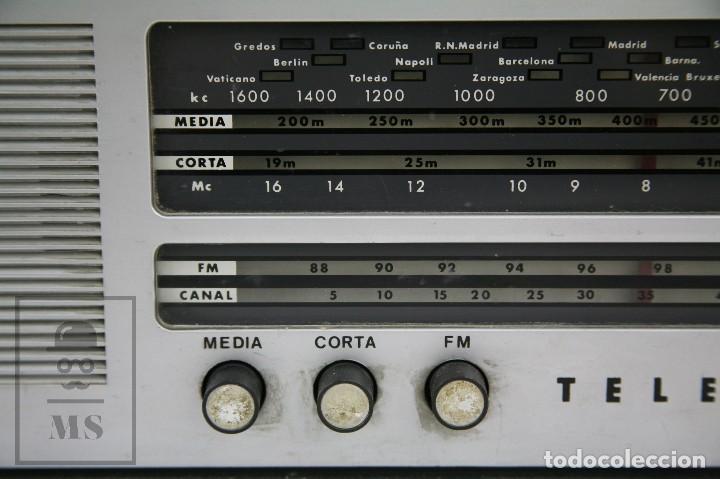 Radios de válvulas: Antigua Radio de Válvulas - Telefunken. Campanela A-2636 FM - Restauración o Piezas - Años 60 - Foto 4 - 129513751