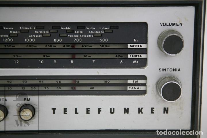 Radios de válvulas: Antigua Radio de Válvulas - Telefunken. Campanela A-2636 FM - Restauración o Piezas - Años 60 - Foto 5 - 129513751