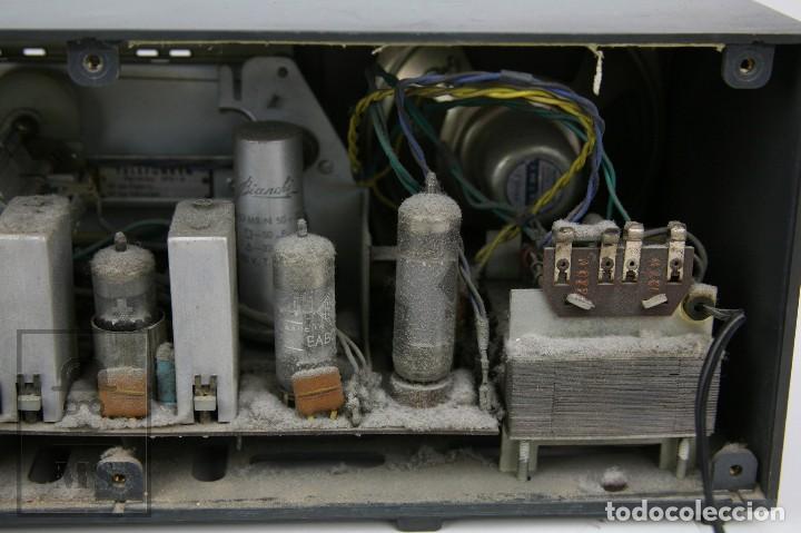 Radios de válvulas: Antigua Radio de Válvulas - Telefunken. Campanela A-2636 FM - Restauración o Piezas - Años 60 - Foto 11 - 129513751