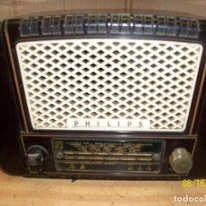 Radios de válvulas: ANTIGUA RADIO PHILIPS-MODELO BE 352 U- FUNCIONA. Lote 130936232