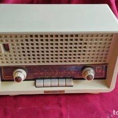Radios de válvulas: RADIO PHILIPS PHILETTA B2D94A, FUNCIONANDO PERFECTA FM. 1959 (VIDEO). Lote 131232375