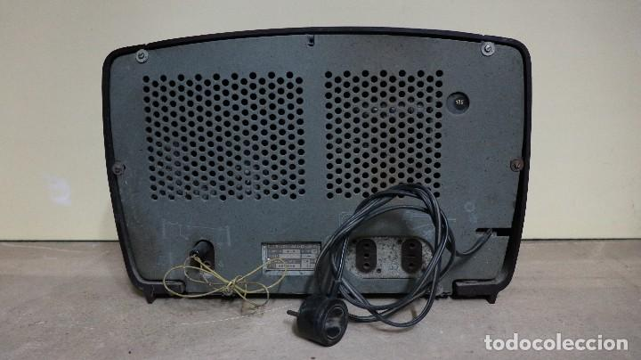 Radios de válvulas: Radio antiguo Philips. - Foto 2 - 158714382