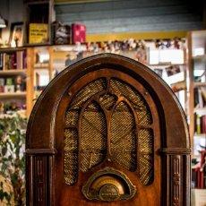 Radios de válvulas: RADIO CAPILLA ATWATER KENT 627. Lote 132013870