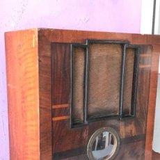 Radios de válvulas: RADIO DE CAPILLA LA VOZ DE SU AMO, AÑOS 1930 - FUNCIONANDO PERFECTAMENTE. Lote 132251810
