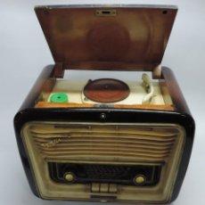 Radios de válvulas: TELEFUNKEN FESTIVAL 57 (CON TOCADISCOS) LA RADIO SE ENCUENTRA EN BUENAS CONDICIONES ESTÉTICAS, NO SA. Lote 132457414