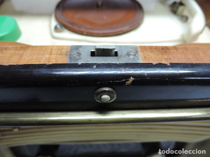 Radios de válvulas: Telefunken Festival 57 (con tocadiscos) La radio se encuentra en buenas condiciones estéticas, no sa - Foto 5 - 132457414