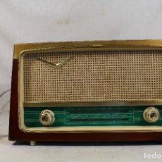 Radios de válvulas: RADIO EN KIT ESPAÑOLA MODELO R-888. Lote 143672224