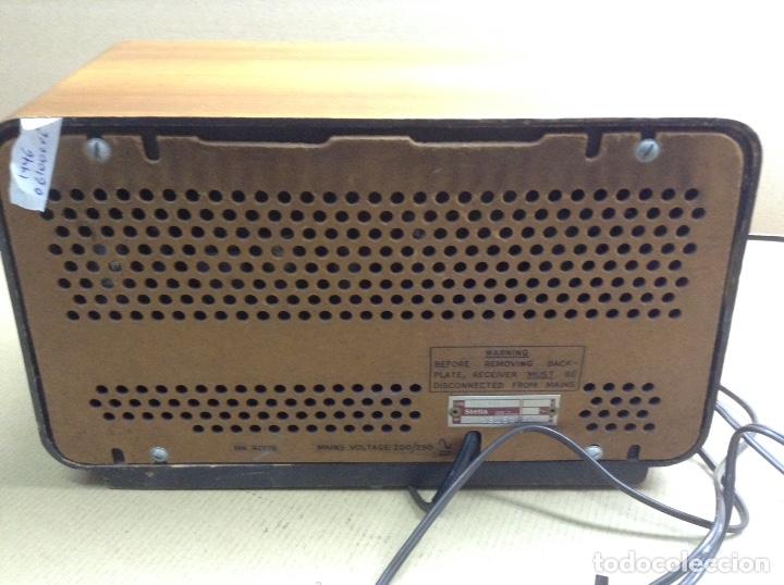 Radios de válvulas: Radio Stella. modelo ST24 LU. Funciona. En madera. Mide en cms( 32x14x19) - Foto 3 - 133143737