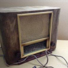 Radios de válvulas: RADIO PYRUS TELEMONDE EN MADERA. MIDE EN CMS(42X25X36). FUNCIONA 125V. Lote 133220143