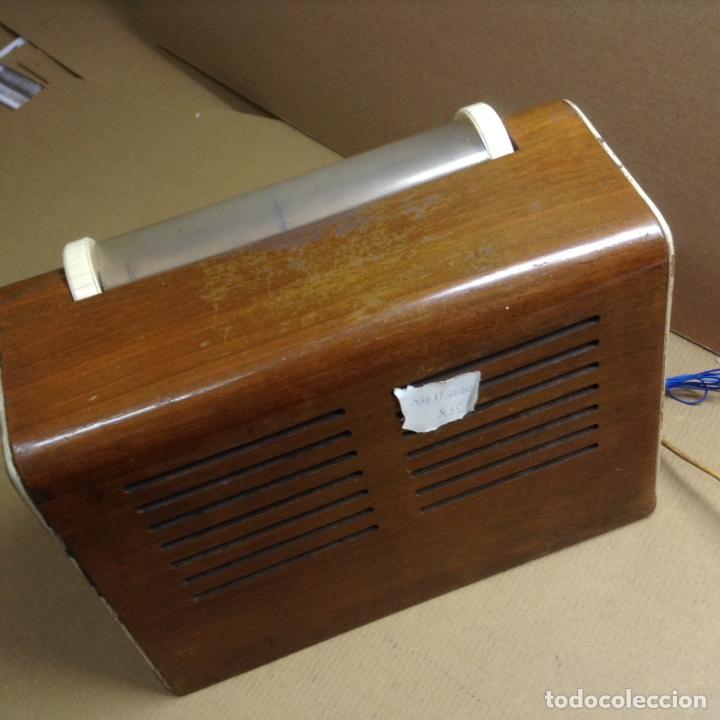 Radios de válvulas: Radio AGA a 125V. Funciona. Mide en cms( 30x17x21) - Foto 3 - 133220647