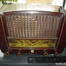 Radios de válvulas: RADIO PHILIPS BE -321 A BAQUELITA 50 HZ 45 W (38 ANCHOX21 FONDOX23 ALTO) FUNCIONA AÑOS 50. Lote 133372306
