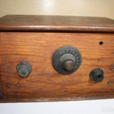 Radios de válvulas: ANTIGUO APARATO DE RADIO DE MADERA SIN MARCA AÑOS 20. Lote 133853386