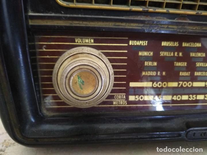 Radios de válvulas: ANTIGUA RADIO INVICTA MODELO 5209 MODELO ONTARIO RARA NO PROBADA VALVULAS - Foto 4 - 135668775