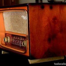 Radios de válvulas: RADIO A VÁLVULAS MARCA CLOMAR. Lote 135947818