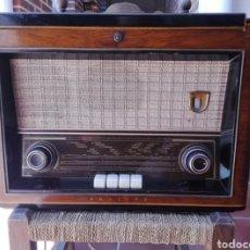 Radios de válvulas: RADIO TOCADISCOS PHILIPS. Lote 137213890