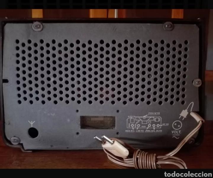 Radios de válvulas: Radio Philips con voltimetro - Foto 2 - 137214090