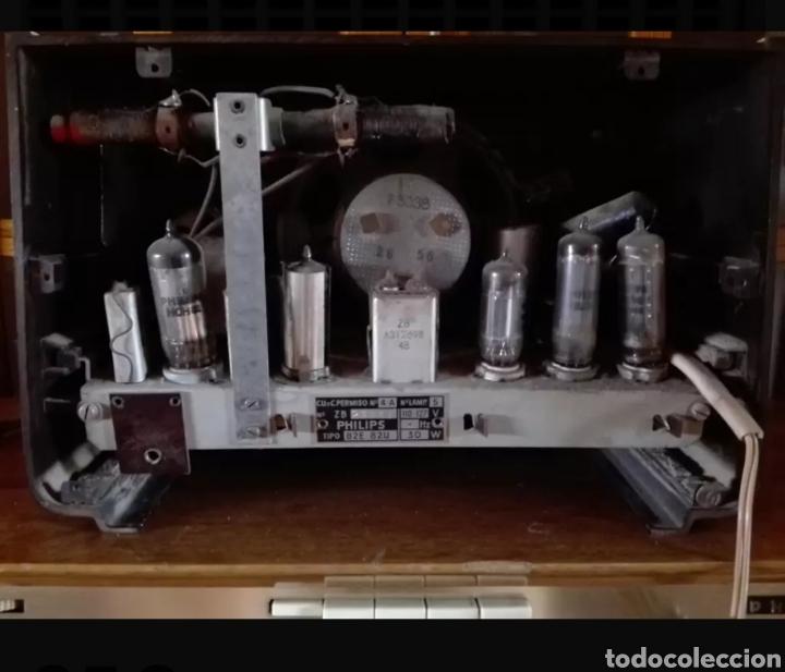 Radios de válvulas: Radio Philips con voltimetro - Foto 3 - 137214090
