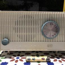 Radios de válvulas: RADIO DE VÁLVULAS RCA VÍCTOR RFA 11V, AMERICANA, ANTIGUA - VINTAGE. Lote 139646753