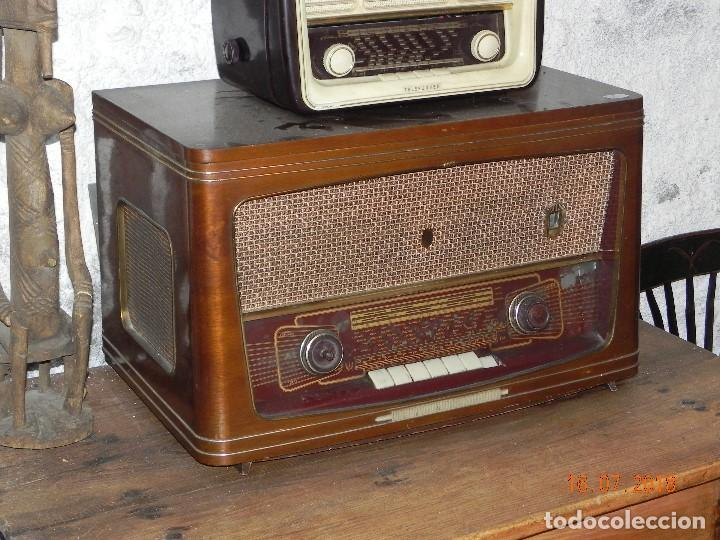 RADIO TOCADISCOS 1960 MARCA IBERIA MODELO N-824 6 VALVULAS (ARREGLADO) (Radios, Gramófonos, Grabadoras y Otros - Radios de Válvulas)