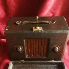 Radios de válvulas: RADIO ALL WAVES LIBERTA 1933, MADE IN USA, VER FOTOS Y DESCRIPCION. Lote 140119854