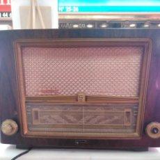 Radios de válvulas: RADIO DE VÁLVULAS PHILIPS DE LOS AÑOS 50. Lote 140529054