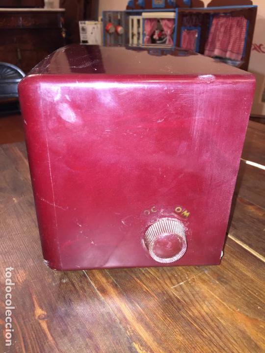 Radios de válvulas: Antigua radio a válvulas de baquelita de la marca Inter modelo Gobi de los años 50-60 - Foto 4 - 140572298