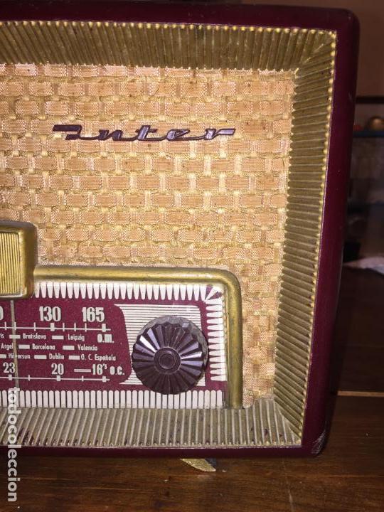 Radios de válvulas: Antigua radio a válvulas de baquelita de la marca Inter modelo Gobi de los años 50-60 - Foto 8 - 140572298
