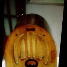 Radios de válvulas: RADIO CAPILLA AMERICANA PHILCO. Lote 140405890
