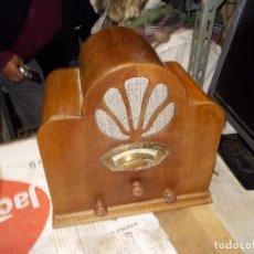 Radios de válvulas: RADIO CAPILLA FUNCIONANDO. Lote 140912646