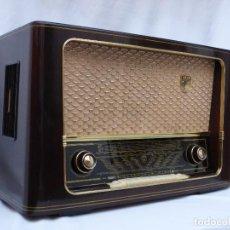 Radios de válvulas: ANTIGUA RADIO DE VÁLVULAS WEGA LYRA, EN MAGNIFICO ESTADO, FUNCIONANDO CON BUEN SONIDO (VER VÍDEO). Lote 142134326