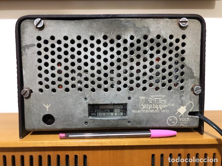 Radios de válvulas: RADIO DE VÁLVULAS PHILIPS B1E 82U CON MUEBLE DE BAQUELITA. - Foto 5 - 142809502