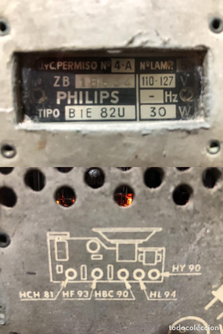 Radios de válvulas: RADIO DE VÁLVULAS PHILIPS B1E 82U CON MUEBLE DE BAQUELITA. - Foto 6 - 142809502