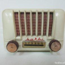 Radios de válvulas: PEQUEÑA RADIO DE VÁLVULAS BARBI - ANDRES VALLS COSTA - Nº DE LÁMPARAS 3 - MODELO POCO VISTO -AÑOS 50. Lote 143779366