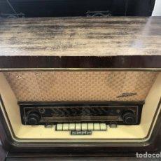 Radios de válvulas: RADIO DE VÁLVULAS TELEFUNKEN FUNCIONANDO.. Lote 143791532
