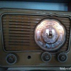 Radios de válvulas: RADIO EN MADERA A VALVULAS Y FUNCIONA. Lote 144227150