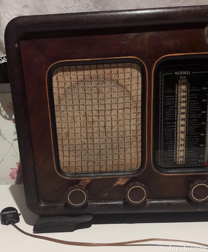 Radios de válvulas: Antigua radio de válvulas Marca Gram Onda corta y normal. En madera maciza gran tamaño 50 x 25 x 37 - Foto 3 - 144411188