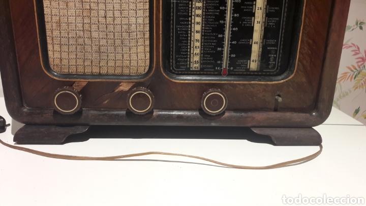 Radios de válvulas: Antigua radio de válvulas Marca Gram Onda corta y normal. En madera maciza gran tamaño 50 x 25 x 37 - Foto 4 - 144411188