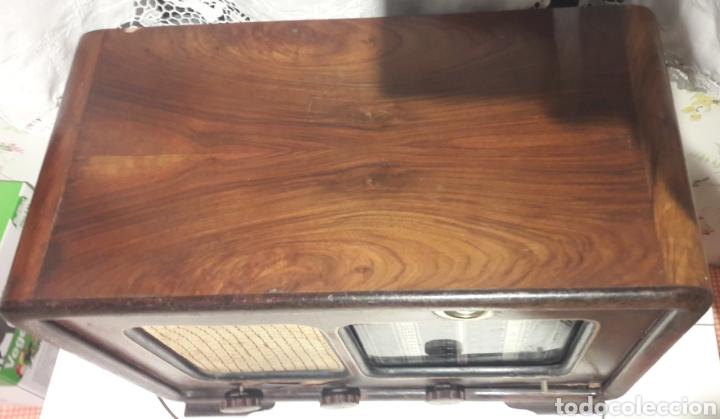 Radios de válvulas: Antigua radio de válvulas Marca Gram Onda corta y normal. En madera maciza gran tamaño 50 x 25 x 37 - Foto 8 - 144411188