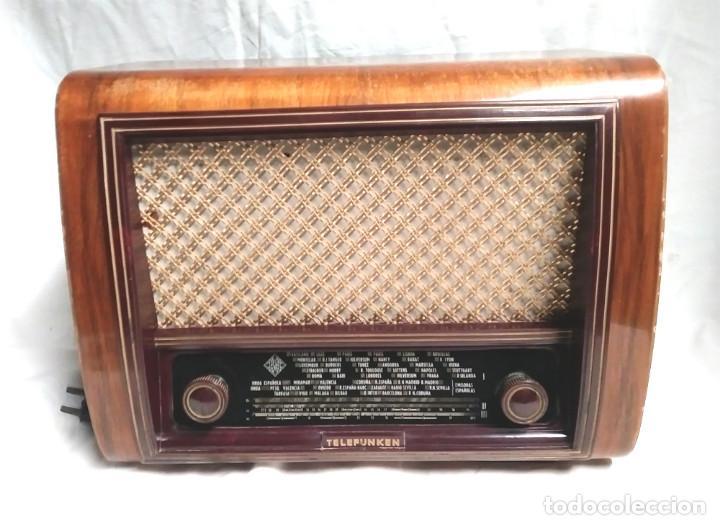 RADIO TELEFUNKEN IBERIA GETAFE MADRIGAL U 1375 AÑO 53, FUNCIONA BUEN ESTADO TODO DE ORIGEN (Radios, Gramófonos, Grabadoras y Otros - Radios de Válvulas)