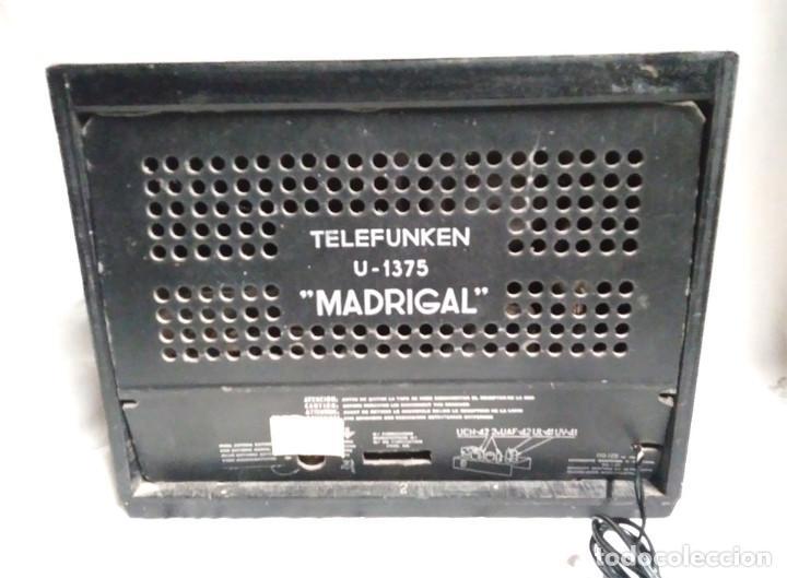 Radios de válvulas: Radio Telefunken Iberia Getafe Madrigal U 1375 año 53, funciona buen estado todo de origen - Foto 3 - 145052574