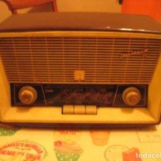 Radios de válvulas: ANTIGUA RADIO INVICTA MOD 5362. Lote 146785754